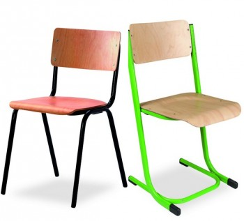 Chaises empilables